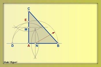 Cuadrado equivalente a triángulo 04